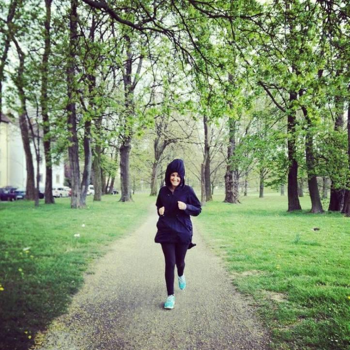Lady Gangas Runner